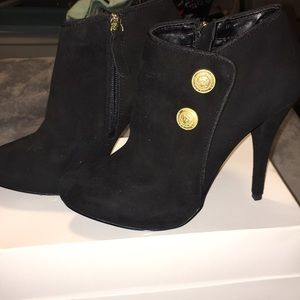 NEW Fabulous GUESS black suede high heeled booties